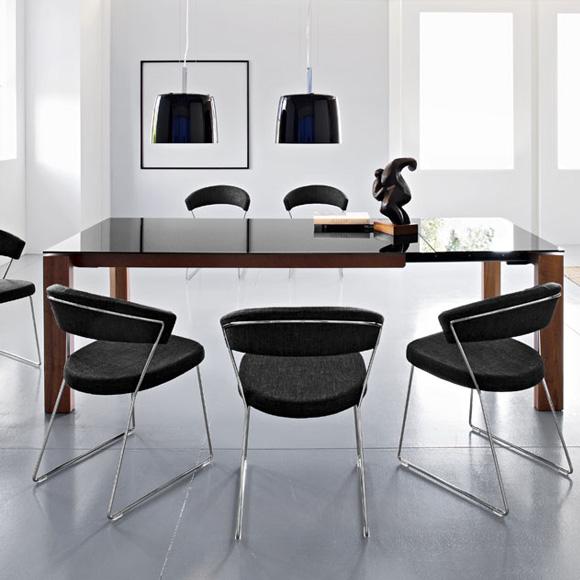 calligaris new york stuhl mit kufen. Black Bedroom Furniture Sets. Home Design Ideas