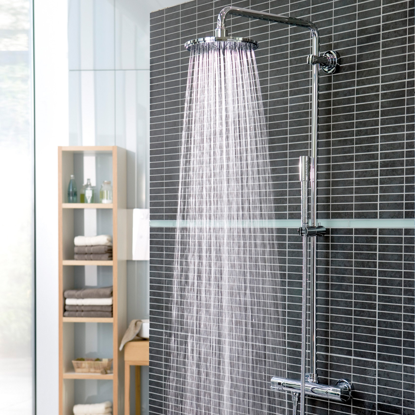 grohe rainshower 310 duschsystem mit thermostatbatterie f r wandmontage 27966000 reuter. Black Bedroom Furniture Sets. Home Design Ideas