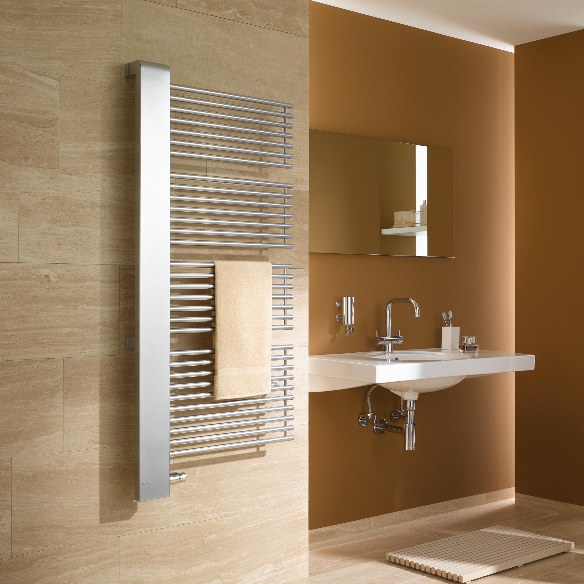 kermi credo half badheizk rper b 61 h 188 4 cm ausf hrung links chrom blende glanz silber. Black Bedroom Furniture Sets. Home Design Ideas