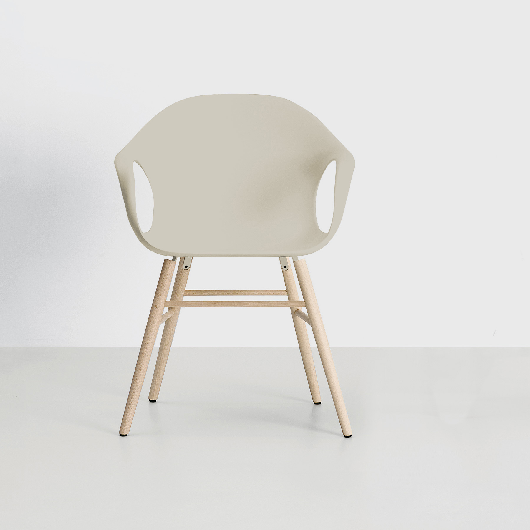 kristalia elephant sessel auf holzbeinen 05ele82p04. Black Bedroom Furniture Sets. Home Design Ideas
