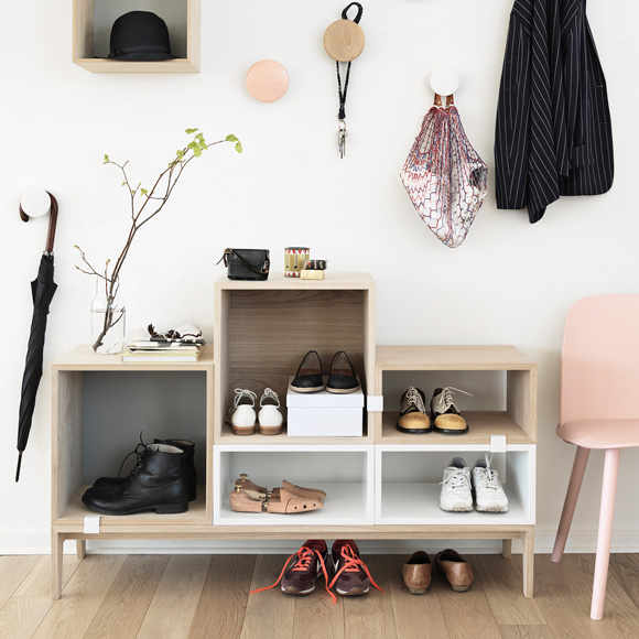 muuto stacked regal mit r ckwand. Black Bedroom Furniture Sets. Home Design Ideas