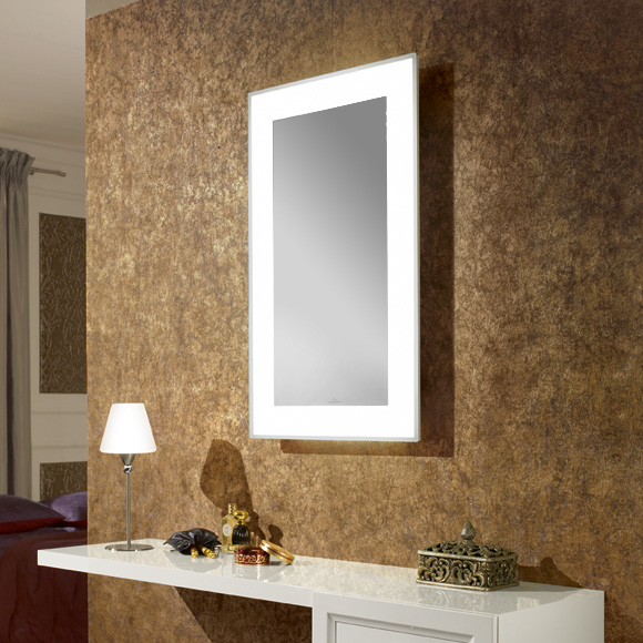 spiegel mit beleuchtung. Black Bedroom Furniture Sets. Home Design Ideas